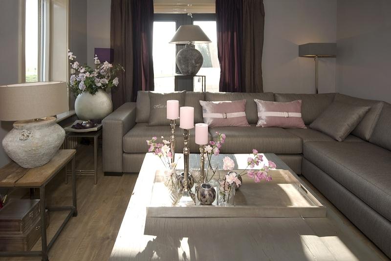 Huis en hof brengt sfeer in huis woonstijl for Herinrichten woonkamer