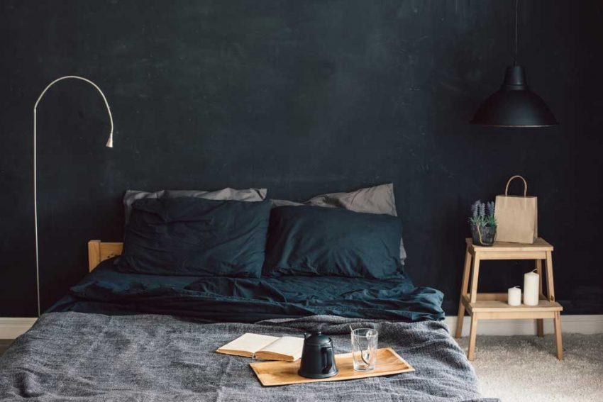 Donkere tinten in het interieur dit zijn de voordelen woonstijl