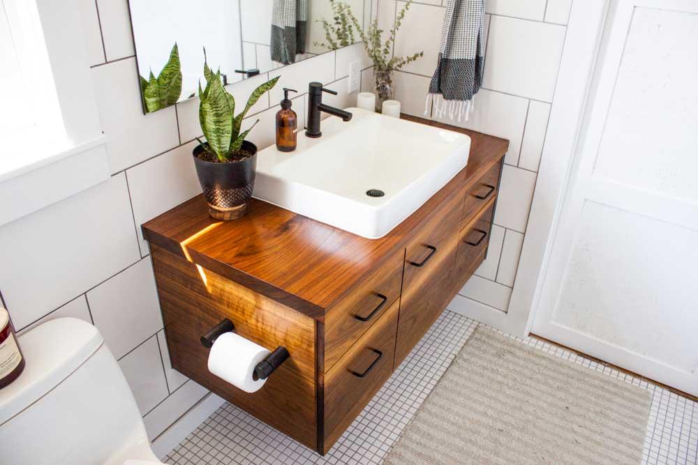 Hout in de badkamer: ga voor een stijlvolle look
