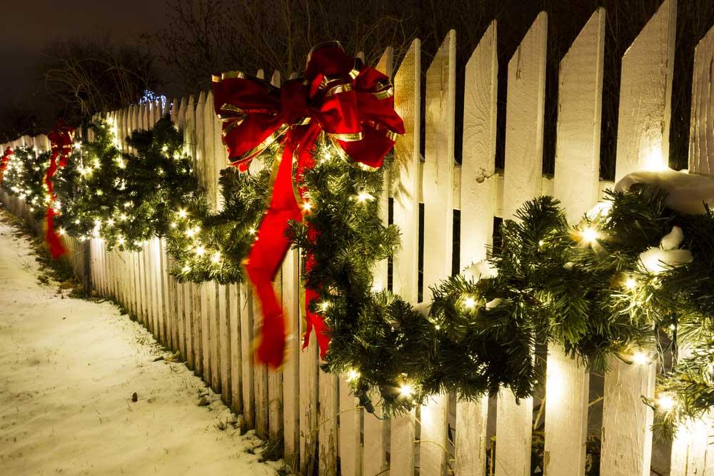 Kerstdecoratie in de tuin: zo maak je er iets moois van
