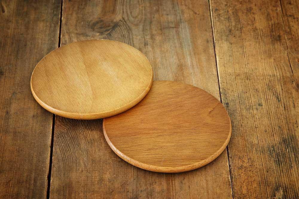 Ga voor een duurzame look met houten onderzetters