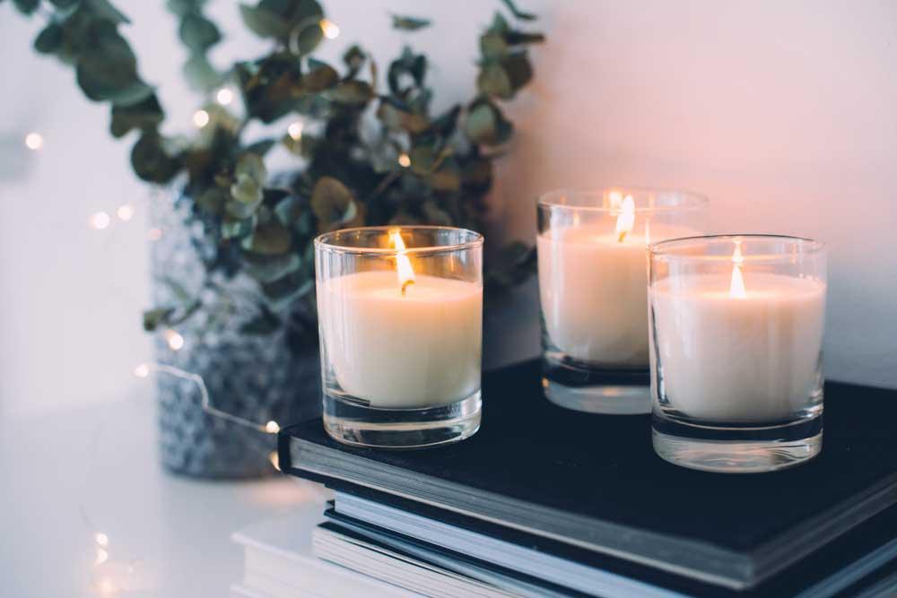 Dit mag niet ontbreken in huis tijdens de winterse maanden: kaarsen voor gezelligheid