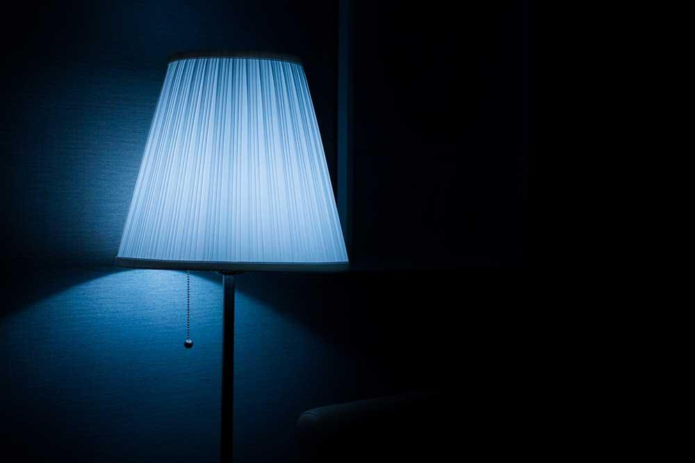 Donkerblauw in huis: deze trendkleur mag je niet missen
