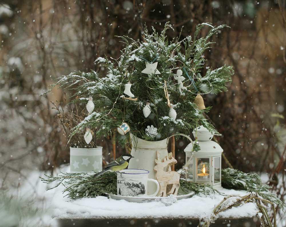 Kerstdecoratie in de tuin: de kersttafel