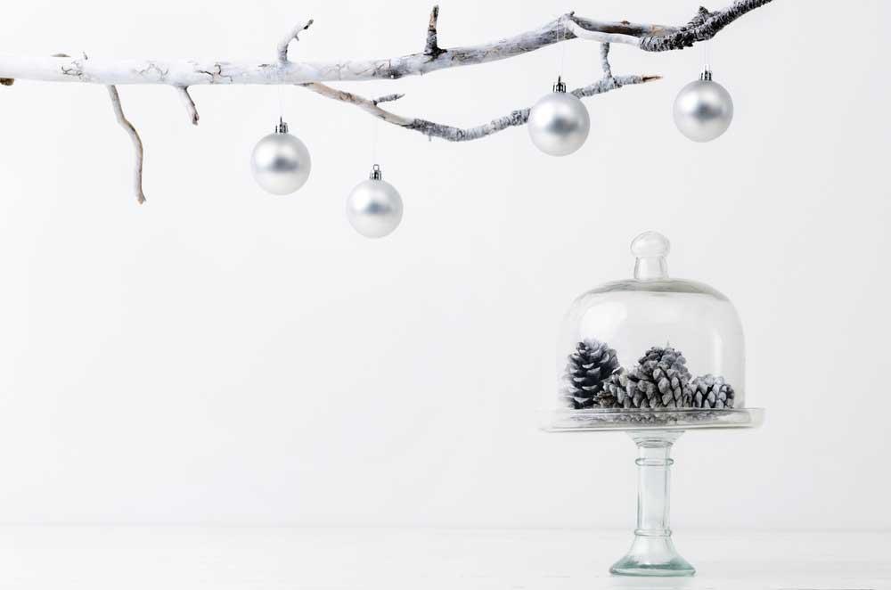 Kies een kleur voor kerst, bijvoorbeeld zilver