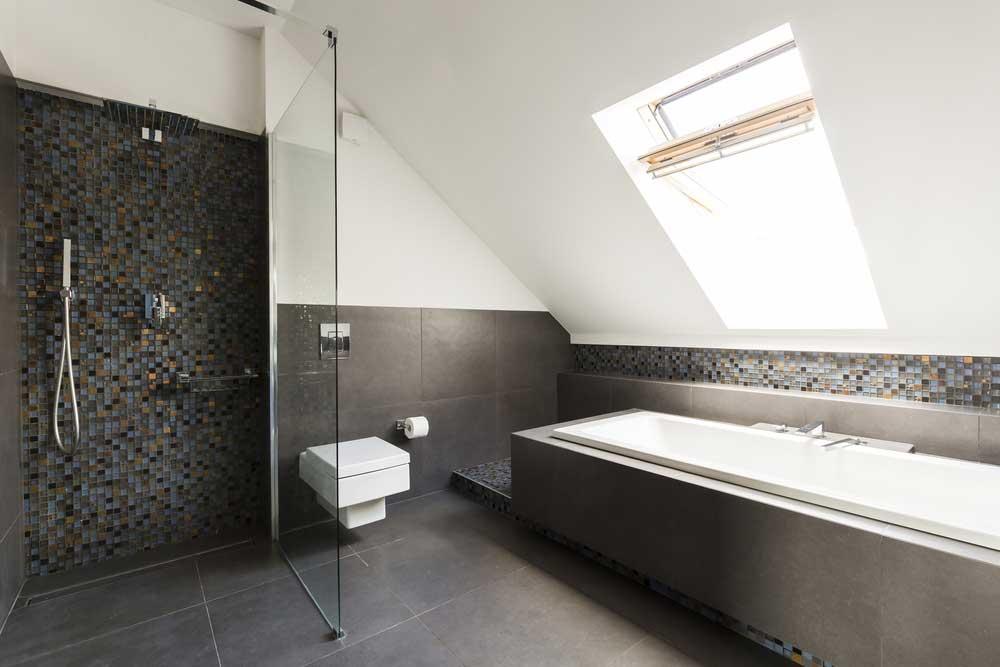 Ga voor een bijzondere tegelmuur in de badkamer