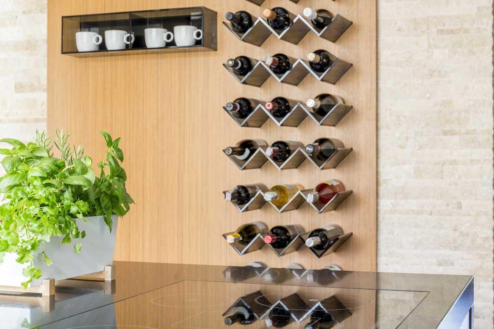 Een wijnrek aan de muur: stijlvol!