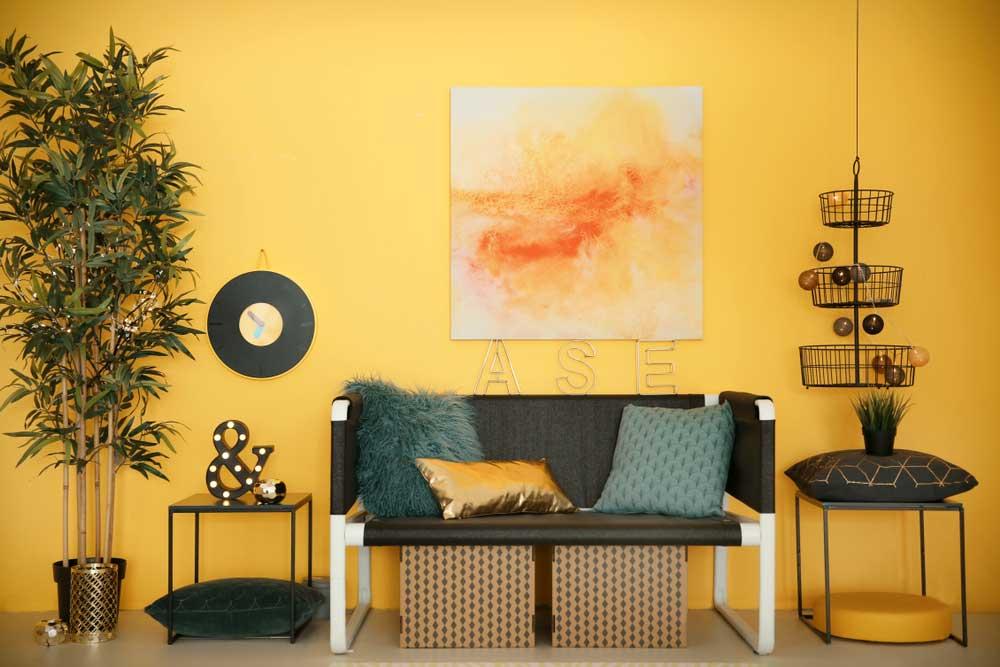 Wow! Een gele muur of vloer in je woning: echt uniek