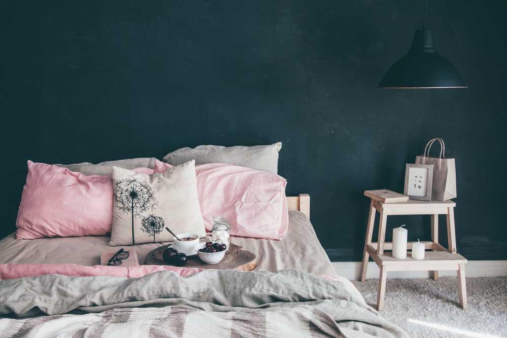 Slapen op roze wolken: pak uit met roze in de slaapkamer