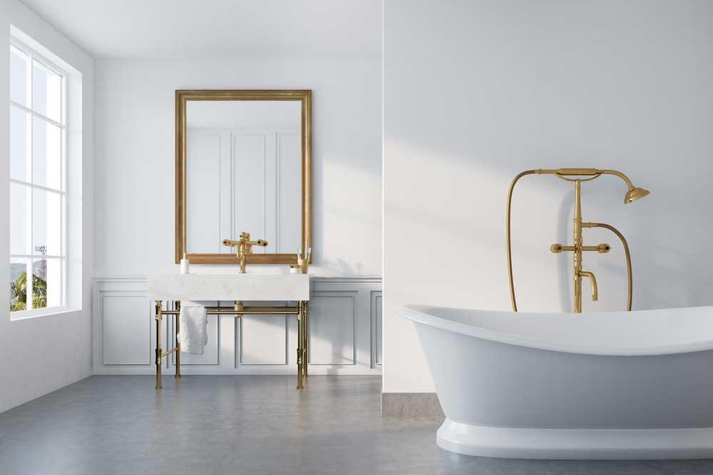 Gouden accessoires in de badkamer: beeldschoon