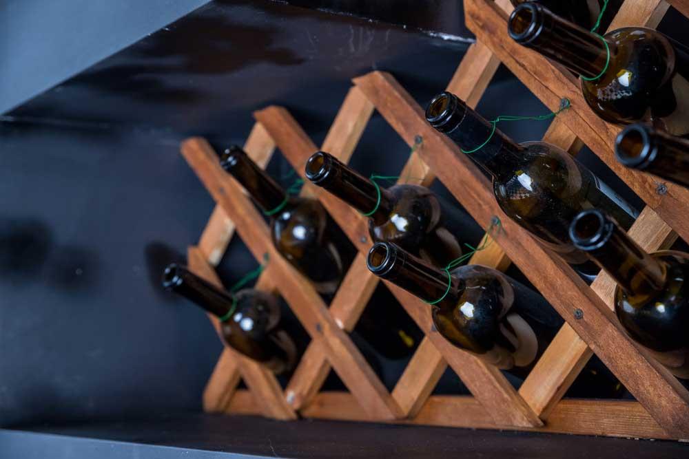 De drankvoorraad opbergen in huis: mooie voorbeelden