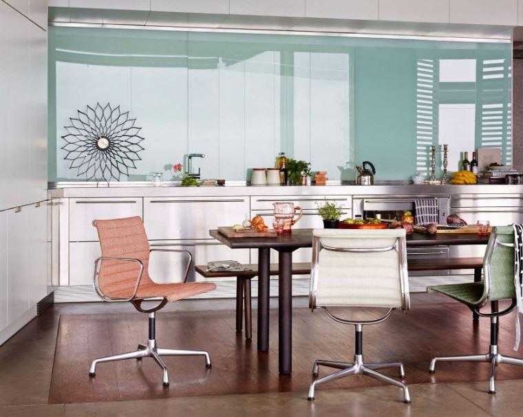 Vitra Rar Schommelstoel.Een Luxe Interieur Met Design Van Vitra Woonstijl