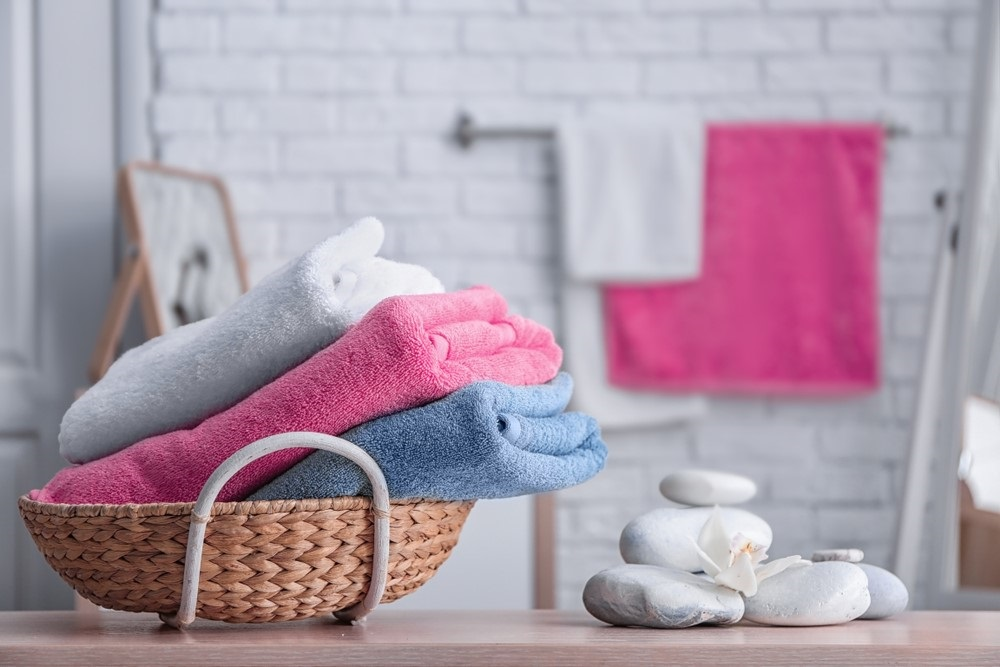 Kleurrijke badkamer accessoires